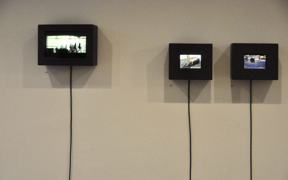Eine Ansicht der Ausstellung INBETWEEN, Ansicht von drei Tempografie