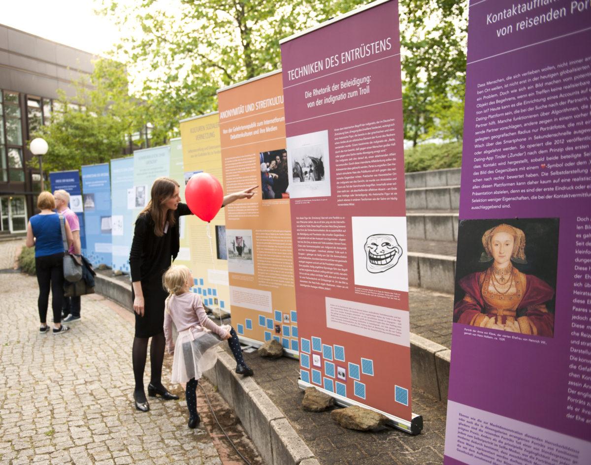 Blick in die Ausstellung, Lange Nacht der Wissenschaften 2017, Dahlem Humanities Center, Freie Universtität Berlin