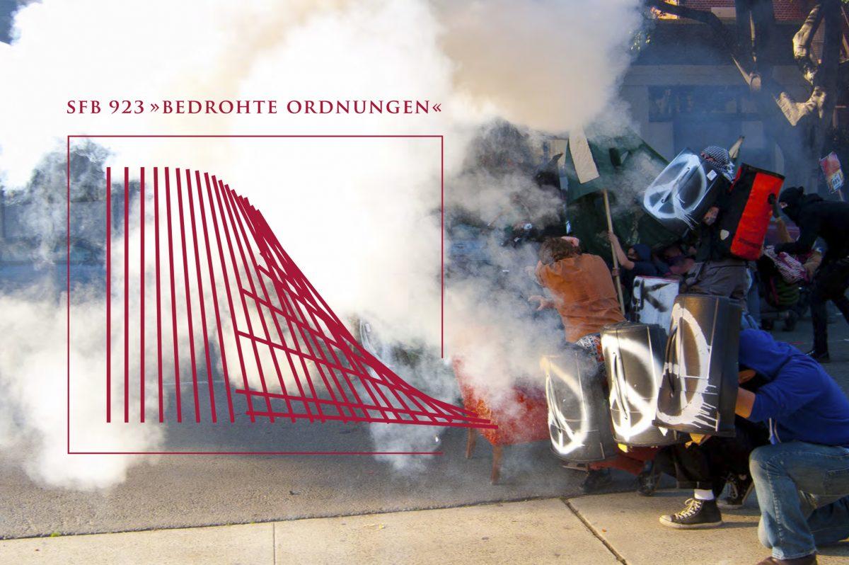 """Bild einer Demonstration mit großem roten Logo im Vordergrund, SFB 923 """"Bedrohte Ordnungen"""" der Universität Tübingen"""