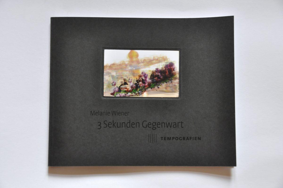 """Cover des Ausstellungskataltogs """"3 Sekunden Gegenwart. Tempografien"""" in der Galerie F92, Berlin"""