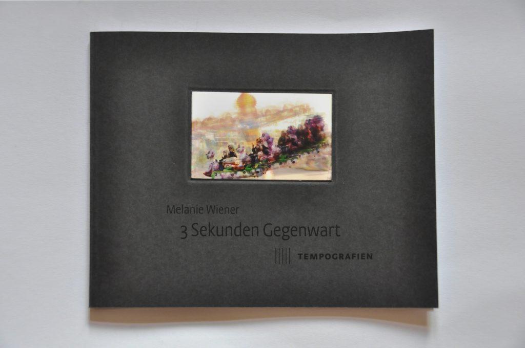 """Vorschaubild, Cover des Ausstellungskataltogs """"3 Sekunden Gegenwart. Tempografien"""" in der Galerie F92, Berlin"""